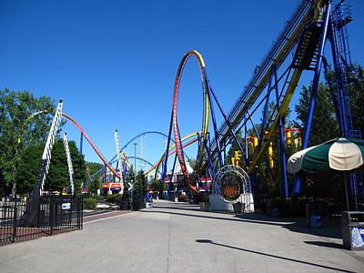 Mantis Photograph - Cedar Point - Mantis - 12121 by DC Photographer