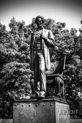 Chicago Abraham Lincoln Statue In Black And White Print by Paul Velgos