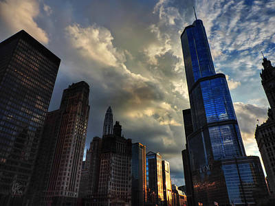 London Photograph - Chicago Cityscape 003 by Lance Vaughn