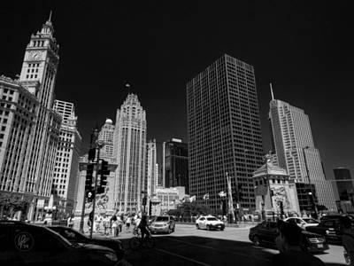 Chicago - E Wacker Drive Print by Lance Vaughn