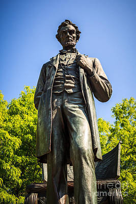 Abraham Lincoln Images Photograph - Chicago Lincoln Standing Statue Named The Man by Paul Velgos