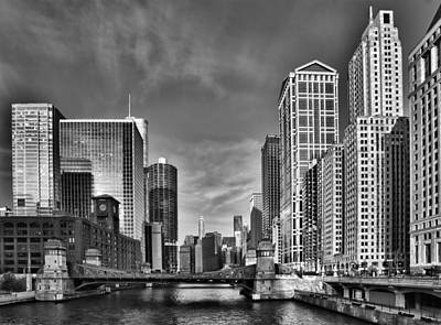 Chicago River In Black And White Print by Sebastian Musial