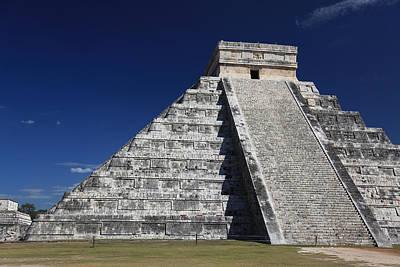 Chichen Itza Mayan Ruins Yucatan Peninsula Mexico Print by Wayne Moran