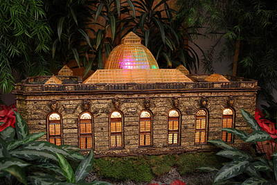 Christmas Display - Us Botanic Garden - 011356 Print by DC Photographer