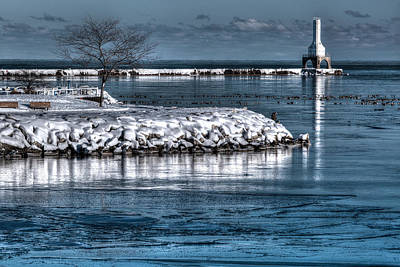 Eve Photograph - Christmas Eve Harbor by Jeffrey Ewig