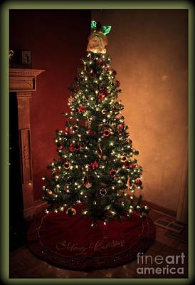 Golds Reds And Greens Digital Art - Red And Gold Christmas Tree Without Caption by Jennifer E Doll