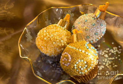 With Red. Photograph - Christmastree Cupcakes On Gold by Iris Richardson