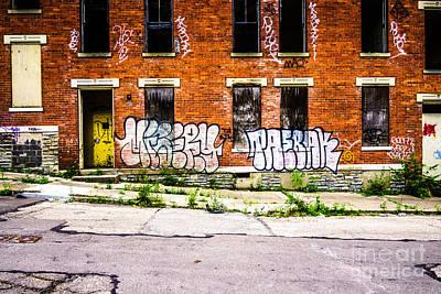 Ohio House Photograph - Cincinnati Glencoe Auburn Place Graffiti Photo by Paul Velgos