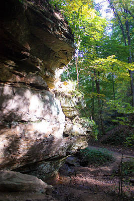 Muscatine Photograph - Cliff In The Devil's Punch Bowl Wildcat Den by Cynthia Woods
