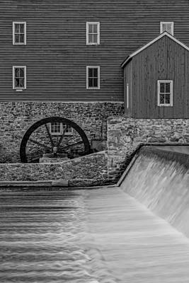 Grind House Photograph - Clinton Historic Red Mill Bw by Susan Candelario