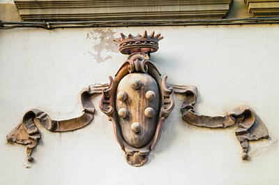 World Of Design Photograph - Coat Of Arms Of Medici Family, Piazza by Nico Tondini