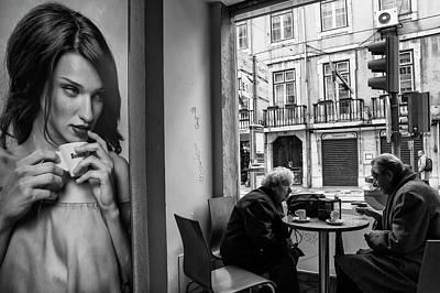 Coffeea?s Conversations Print by Luis Sarmento