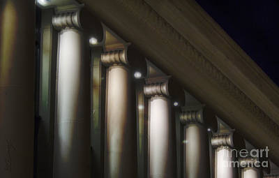 Columns Print by Eduardo Mora