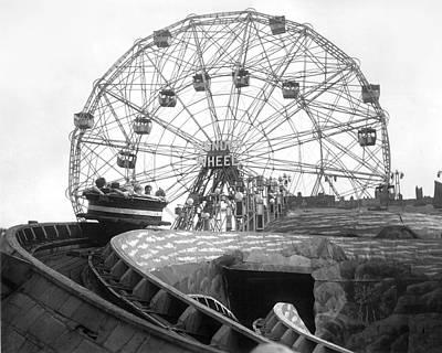 Amusement Park Photograph - Coney Island - Wonder Wheel by MMG Archives