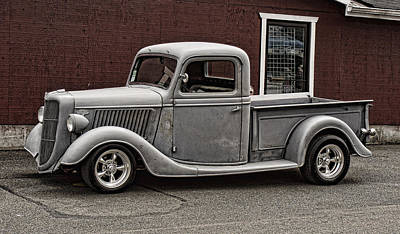 Cool Little Ford Pick Up Print by Ron Roberts