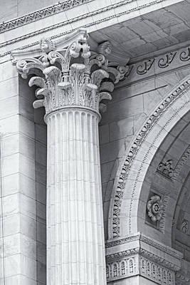 Corinthian Column Detail Bw Print by Susan Candelario