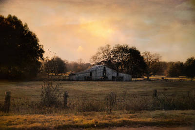 Barn In Tennessee Photograph - Country Heirloom by Jai Johnson