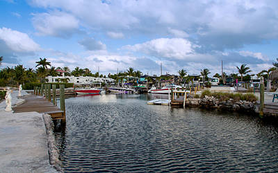Jetty View Park Photograph - Cruising Into Camp by John Bailey