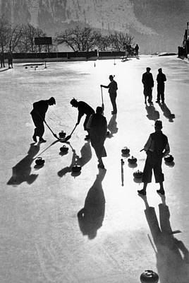 Curling At St. Moritz Print by Underwood Archives