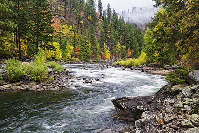 Unspoiled Art Photograph - Curves Of The Wenachee by Mark Kiver