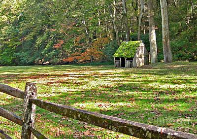 Addie Hocynec Art Photograph - Cuttalossa Farm Shed by Addie Hocynec