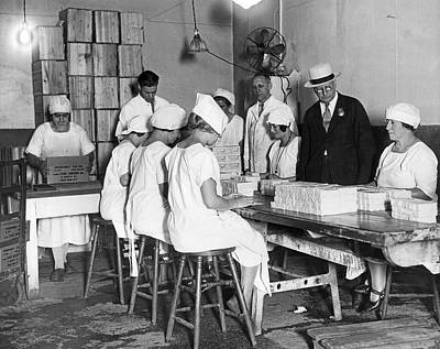 Scrutiny Photograph - Dairy Product Inspection by Underwood Archives