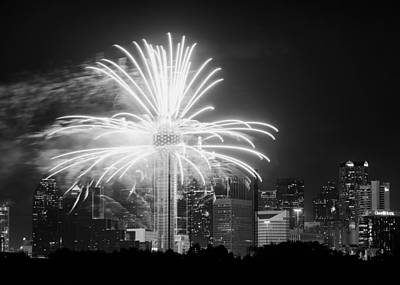 Dallas Skyline Photograph - Dallas Reunion Tower Fireworks Bw 2014 by Rospotte Photography