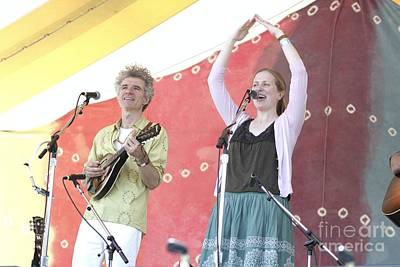 Photograph - Dan Zanes And Elizabeth Mitchell by Concert Photos