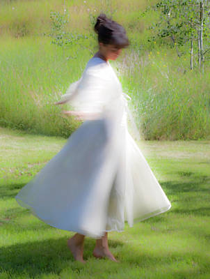 Theresa Leigh Photograph - Dancing In The Sun by Theresa Tahara