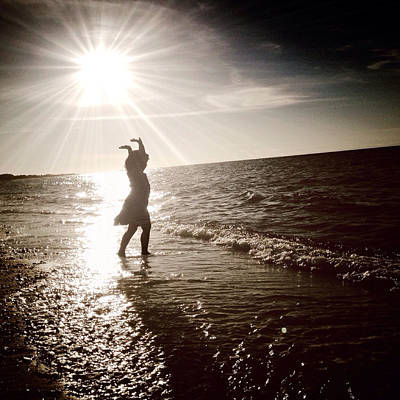 Sun Rays Digital Art - Dancing With The Sun by Natasha Marco
