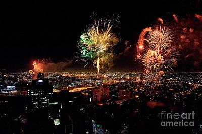 Dazzling Fireworks Iv Print by Ray Warren