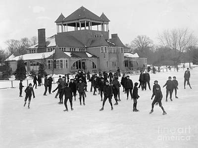 Detroit Michigan Skating At Belle Isle Print by Anonymous