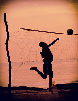 Netting Photograph - Don't Let The Sun Go Down  by A Rey