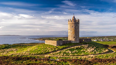 Doonagore Tower Photograph - Doonagore Castle At Sunset by Pierre Leclerc Photography