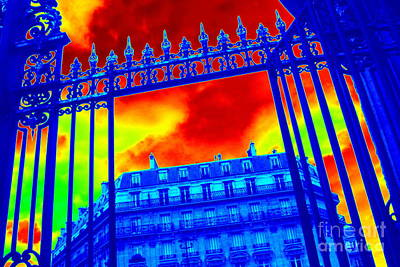 Art And Energetic Photograph - Drama In Paris by Carol Groenen