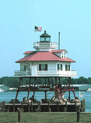 Drum Point Light Print by Unknown