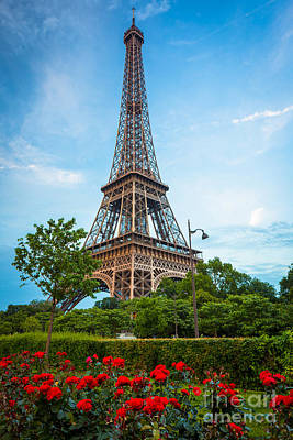 Eiffel Tower And Red Roses Print by Inge Johnsson