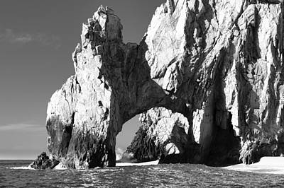 El Arco In Black And White Print by Sebastian Musial