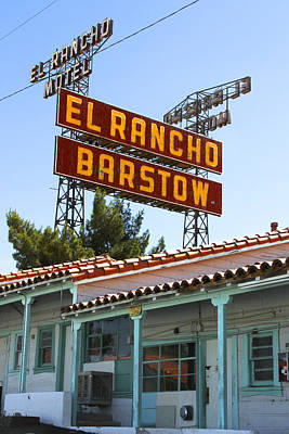 Motel Digital Art - El Rancho Motel - Barstow by Mike McGlothlen