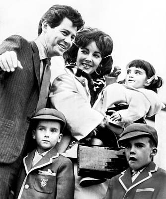 Elizabeth Taylor With Family Print by Retro Images Archive