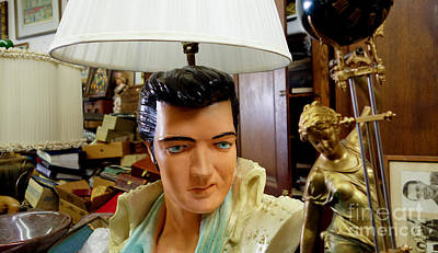Pennsylvania Photograph - Elvis Lamp In Antique Shop by Amy Cicconi