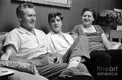 Elvis Presley Photograph - Elvis Presley At Home With Vernon And Gladys 1956 by The Phillip Harrington Collection