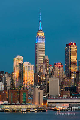 New York City Skyline Photograph - Empire State Building At Twilight IIi by Clarence Holmes