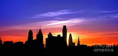 Philadelphia Skyline Photograph - Evening In Philly by Olivier Le Queinec