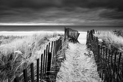 York Beach Photograph - Evening Wave Check Bw by Ryan Moore