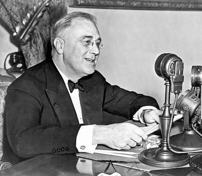 Franklin Delano Roosevelt Photograph - Fd Roosevelt Fireside Chat by Underwood Archives