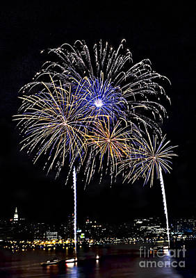 Independance Day Photograph - Firewoks by Susan Candelario