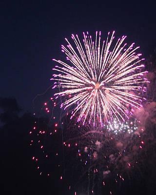 Fireworks 2014 II Original by Suzanne Gaff