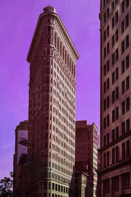 Flat Iron Nyc Print by Laura Fasulo
