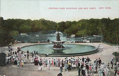 Fountain And May Partin In Central Park In 1905 Print by Patricia Hofmeester
